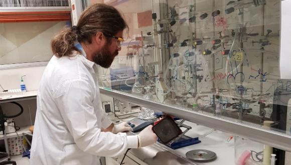 בטיחות במעבדות כימיות